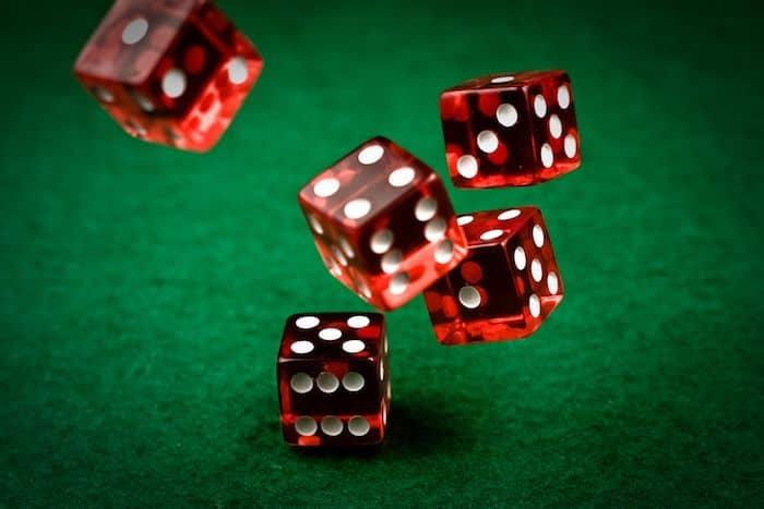 La folle histoire des jeux de dés
